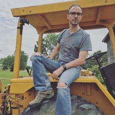 sometimes i use unconventional tools as an #artist. i'm at my #georgia studio using a #tractor to make my new #sitespecific #installationart #earthart piece. follow along for more #behindthescenes photos. #art #artist #conceptualart #nycartist #gaartist #inthestudio #butch #gay #instagay #bdstudios