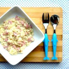 Kindvriendelijke risotto met ham, bloemkool en kaas http://dekinderkookshop.nl/recipe-items/risotto-met-bloemkoolroosjes-en-hamblokjes/