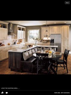 Great idea for maximing the area of a small kitchen - breakfast nook