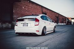 I like these tail lights, Slammed & Bagged Toyot Prius-12 Supercars, Toyota Hybrid, Door Molding, Custom Mirrors, Toyota Prius, Stance Nation, Modified Cars, Automotive Design, Tail Light