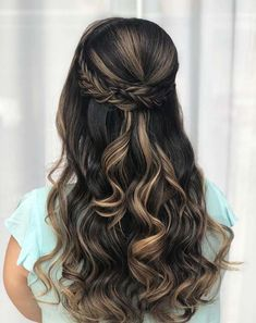 Best wedding hairstyles for long hair bridesmaid braids updo Ideas Quince Hairstyles, Wedding Hairstyles For Long Hair, Wedding Hair And Makeup, Down Hairstyles, Braided Hairstyles, Amazing Hairstyles, Popular Hairstyles, Hairstyles For Graduation, Simple Hairstyles