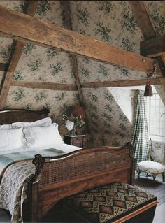 Cozy attic bedroom with vintage floral wallpaper (walls and ceiling), wood furni. - Cozy attic bedroom with vintage floral wallpaper (walls and ceiling), wood furniture, and exposed beams. English Manor Houses, English Country Cottages, English Country Decor, Country Style, Country Living, English House, English Style, British Country, English Castles