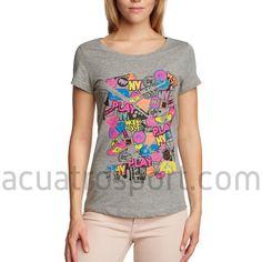 Camiseta Only Play de algodón para mujer en color gris con estampado multicolor.   Diseño en cuello redondo y manga corta.   Composición: 100% algodón. Only Play, T Shirt, Tops, Women, Fashion, Grey Colors, Crew Neck, T Shirts, Supreme T Shirt
