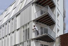 Gallery of Housing Units Castagnary / Dietmar Feichtinger Architectes - 1