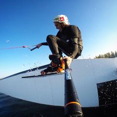 Mondays got nothing on us! Check out this awesome shot using our Section Pole Set! PC: Gerhard Posch #spgadgets #sectionpoleset #sectionpole #addmorefunction #gopro #goprophotography #mondaymotivation #wakeboarding #wakeboard #action #watersport #adventure #adrenaline #device #L4L #ipad #FF