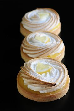 Lemon meringue tart. Pastries. Gérard Mulot