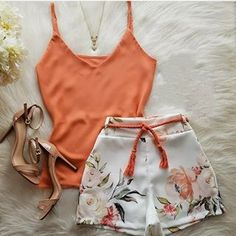 Top Shorts as trousers or as a skirt Best Casual Outfits, Warm Outfits, Cool Outfits, Summer Outfits, Look Fashion, Fashion Outfits, Cute Lingerie, Clothing Photography, Chor