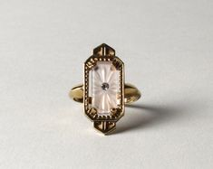 Vintage Avon Gold & Frosted Camphor Glass Ring