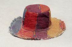 剛剛逛 Pinkoi,看到這個推薦給你:限量一件 手工編織棉麻帽/編織帽/漁夫帽/遮陽帽/草帽 - 咖啡色拼接 - https://www.pinkoi.com/product/4uCpPD73
