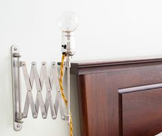 IKEA hack: een gave lamp voor naast je bed - Roomed