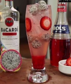 Dragon Berry Delight - For more delicious recipes and drinks, visit us here: www.tipsybartender.com