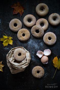 Acorn Squash Donuts, a video recipe! Churros, Mister Donuts, Acorn Squash Recipes, Best Breakfast Recipes, Brunch Recipes, Homemade Donuts, Donut Recipes, Morning Food, Healthy Baking