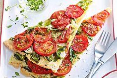 Unser beliebtes Rezept für Lauchzwiebeltarte mit Tomaten und mehr als 55.000 weitere kostenlose Rezepte auf LECKER.de.