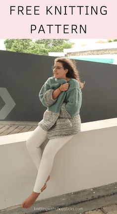 The Apricity Cardigan free knitting pattern is an easy oversized comfy knit cardigan pattern. The simple construction and minimal shaping make it perfect for beginners. Save this free long cardigan knitting pattern! Ladies Cardigan Knitting Patterns, Winter Knitting Patterns, Free Knitting Patterns For Women, Jumper Knitting Pattern, Easy Knitting, Knit Patterns, Start Knitting, Sock Knitting, Vogue Knitting