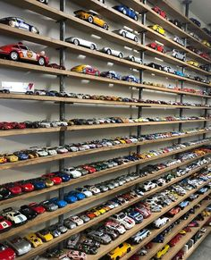 Cool Bedrooms For Boys, Awesome Bedrooms, Toy Display, Display Case, Garage Design, House Design, Hot Wheels Display, Custom Hot Wheels, Matchbox Cars