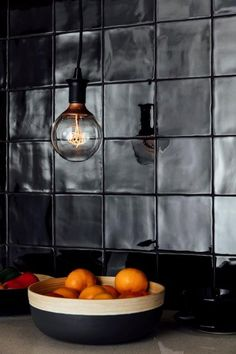 12145 Devonshire Black Gloss 150x150mm