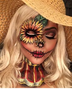Looking for for inspiration for your Halloween make-up? Browse around this site for creepy Halloween makeup looks. Scarecrow Makeup, Cute Halloween Makeup, Halloween Eyes, Halloween Makeup Looks, Scary Scarecrow, Diy Halloween, Sugar Skull Halloween Makeup, Professional Halloween Makeup, Funny Baby Halloween Costumes