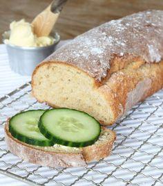 Morning Loaf // Saftig limpa med ett knaprigt skal som jäser direkt i ugnen! Bread Recipes, Baking Recipes, Dessert Recipes, Desserts, Swedish Bread, Baked Bakery, Bread Shop, Swedish Recipes, Food Obsession