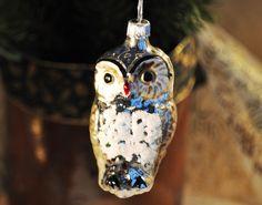 silberfarbene Eule aus Glas, Weihnachten von Weihnachtsromantik auf DaWanda.com Bronze, Christen, Etsy, Christmas Ornaments, Holiday Decor, Clear Ornaments, Xmas Trees, Handcrafted Gifts, Silver