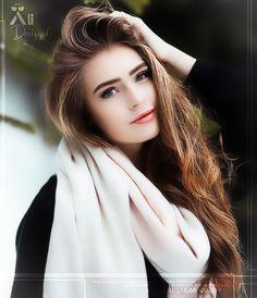 Cute Girl Photo, Beautiful Girl Photo, Beautiful Hijab, Girl Photo Poses, Teenage Girl Photography, Girl Photography Poses, Girl Pictures, Girl Photos, Simple Girl