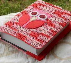 Obal na knihu Crochet Book Cover, Crochet Books, Crochet For Kids, Diy Crochet, Macrame Patterns, Crochet Patterns, Diary Covers, Bible Covers, Mc Escher