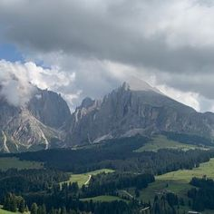 #ECOSOCIAL #SUSTAINABILITY #ECOHOTELS #ECOTOURS #SWD #GREEN2STAY #TirlerDolomitesLivingHotel, Seiser Alm / Alpe di Siusi Our loved mountains 😍🥰🏔🌞💐🌲 Join #THENEWECONOMY Boost your sustainable, eco goods, service, products to our #worldwide earth loving audience , try our 1 month free trial Contact us : Green2Stay Eco