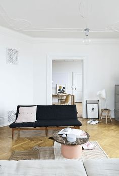 The Beautiful Home of Ceramist Anne Black - NordicDesign