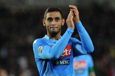 Opinionisti hanno discusso del Napoli, del rinnovo contrattuale diGhoulam,del match che gli azzurri disputeranno contro la Roma e di altro.