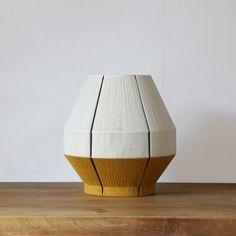 Lampe à poser tissée main Joshua Organic Modern, Mid-century Modern, Pendant Lamp, Lamp Light, Lighting Design, Floor Lamp, Light Fixtures, Chandelier, Table Lamp