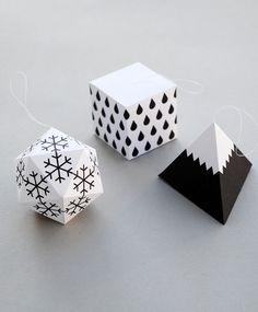 DIY Paper ornaments, great gift toppers too