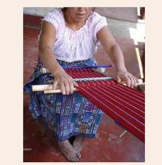 Backstrap Loom Weaving #weaving #backstraploom #weaversatwork