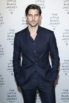 Johannes Huebl Photos - Johannes Huebl attends CHANEL 'The Little Black Jacket' - Exhibition Opening by Karl Lagerfeld and Carine Roitfeld on November 2012 in Berlin, Germany. - CHANEL The Little Black Jacket - Exhibition Opening Mens Fashion Suits, Mens Suits, Blazer Outfits Men, Men's Outfits, Gents Wear, Berlin, Revival Clothing, Italian Men, Suit And Tie