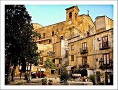 """#Corleone, Sicily Piazza Nascé luogo di rivolte contadine e scioperi che sono passati alla storia con il nome di """"Movimento dei Fasci""""."""