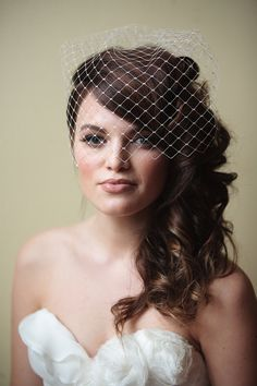 Vintage Wedding Hair If I could do our wedding all over again, this is how I'd want to look.makeup, veil, and all :) - Wedding Hair And Makeup, Wedding Beauty, Bridal Hair, Hair Makeup, Veil Hairstyles, Vintage Hairstyles, Wedding Hairstyles, Pelo Vintage, French Vintage