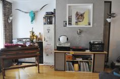 Mememolly & Mike's Flea Market-Style Funhouse in Brooklyn / speakers and vinyls - very clever!