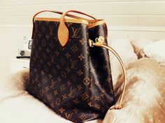 i guess i'm starting to like lv bags...