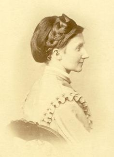 Vintage Hairstyles The Barrington House Educational Center, L. 1800s Hairstyles, Civil War Hairstyles, Historical Hairstyles, Victorian Hairstyles, Retro Hairstyles, Braided Hairstyles, Civil War Fashion, Ear Hair Trimmer, 19th Century Fashion