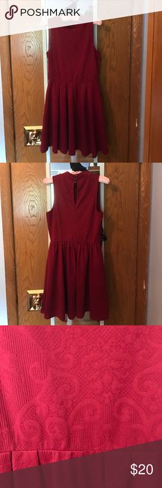 "Dina Be Wine Red Mock Turtle Neck dress S A lovely little wine red dress with a floral pattern originally purchased from Francesca's Collection. The dress label says Dina Be and it's still in great condition. It fits around a 27"" waist and 34"" bust. Hand wash and line/hang dry. Francesca's Collections Dresses Mini"