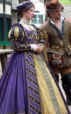 Tudor Costume - notto fancy-pants, but not plain either! *I'm looking at the guy, not the lady
