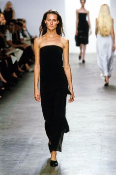 Calvin Klein Collection Spring 1999 Ready-to-Wear Fashion Show - Shalom Harlow