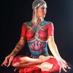 Znalezione obrazy dla zapytania yoga body paint