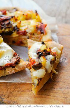 Sbriciolata patate melanzane e speck in padella vickyart arte in cucina Quiche, Greens Recipe, Antipasto, Hawaiian Pizza, Bon Appetit, Finger Foods, Pesto, Cauliflower, Buffet