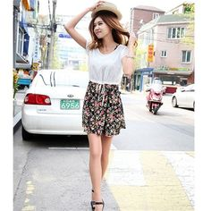 Are you looking for newest Electronics and Gadgets Buy Online Best Electronic Gadgets, Fashion and Beauty Products at Cheap Rates. Floral Chiffon Dress, Short Dresses, Crew Neck, Dress Black, Womens Fashion, Skirts, Shopping, Beauty, Sleeve