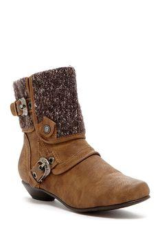 Izabella Jr. Boots by Cape Robbins