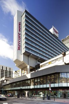Mercure Manchester Piccadilly Hotel is centrally located in Manchester, steps from Piccadilly Gardens and minutes from Portico Library and Gallery. This 4-star hotel is close to University of Manchester and Old Trafford. http://www.lowestroomrates.com/Manchester-Hotels/Mercure-Manchester-Piccadilly-Hotel.html?m=p #MercureManchester #Manchester