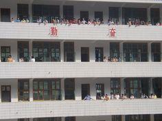 Wulingyuan students between classes, 2004