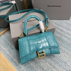 Balenciaga Handbags, Balenciaga Bag, Hermes Handbags, Purses And Handbags, Fendi Bags, Cute Purses, Branded Bags, Goodie Bags, Bago