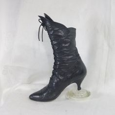 Victorian Lace Up Boot ~ Size 7.5 B ~ Famous Peter Fox Design ~ Purchased 1986 ~ Black Calf Leather ~ Handcrafted in Italy ~ Leather Lined by HeySardine on Etsy