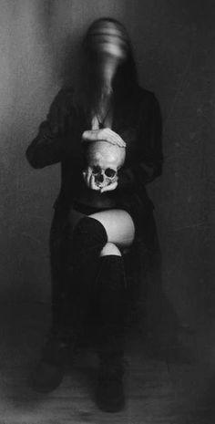 scary death girl Black and White sexy vintage horror kill dark skull dead murder woman evil darkness goth gothic killer psycho Black Metal historia-plemienia-ludzi Black And White Picture Wall, Black And White Pictures, Paranormal Pictures, Under My Skin, Arte Horror, Dark Gothic, Vintage Horror, Famous Photographers, Skulls
