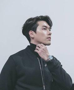 You're a handsome things ♥️ Handsome Korean Actors, Handsome Boys, Hyun Bin, Drama Korea, Korean Drama, Korean Men, Asian Men, Korean Celebrities, Celebs